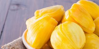 what does jackfruit taste like